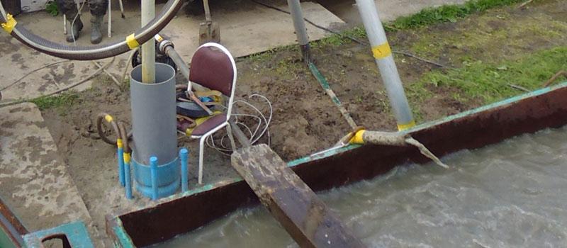 Schoonpompen pompput, vaak de eerste stap bij het ontwikkelen van een (drink)waterput.